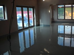 Classic Flowing Screed