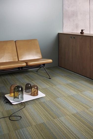 Chenille Warp - Pile carpet tiles