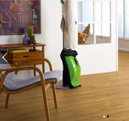 Laminate Modern Plank - Living Expression