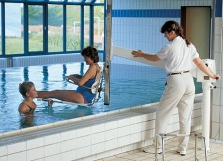 Neptune™ Manual Pool Lift