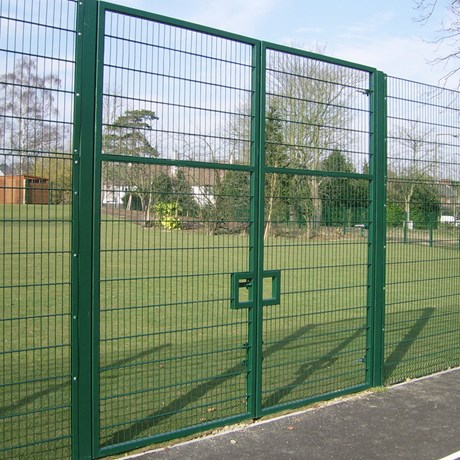 Lockmaster – With infill options for systems above double leaf gate - Carbon steel gate