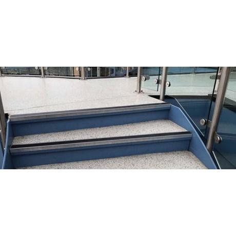 Resin flooring system Resucoat™ Deco Flake Screed