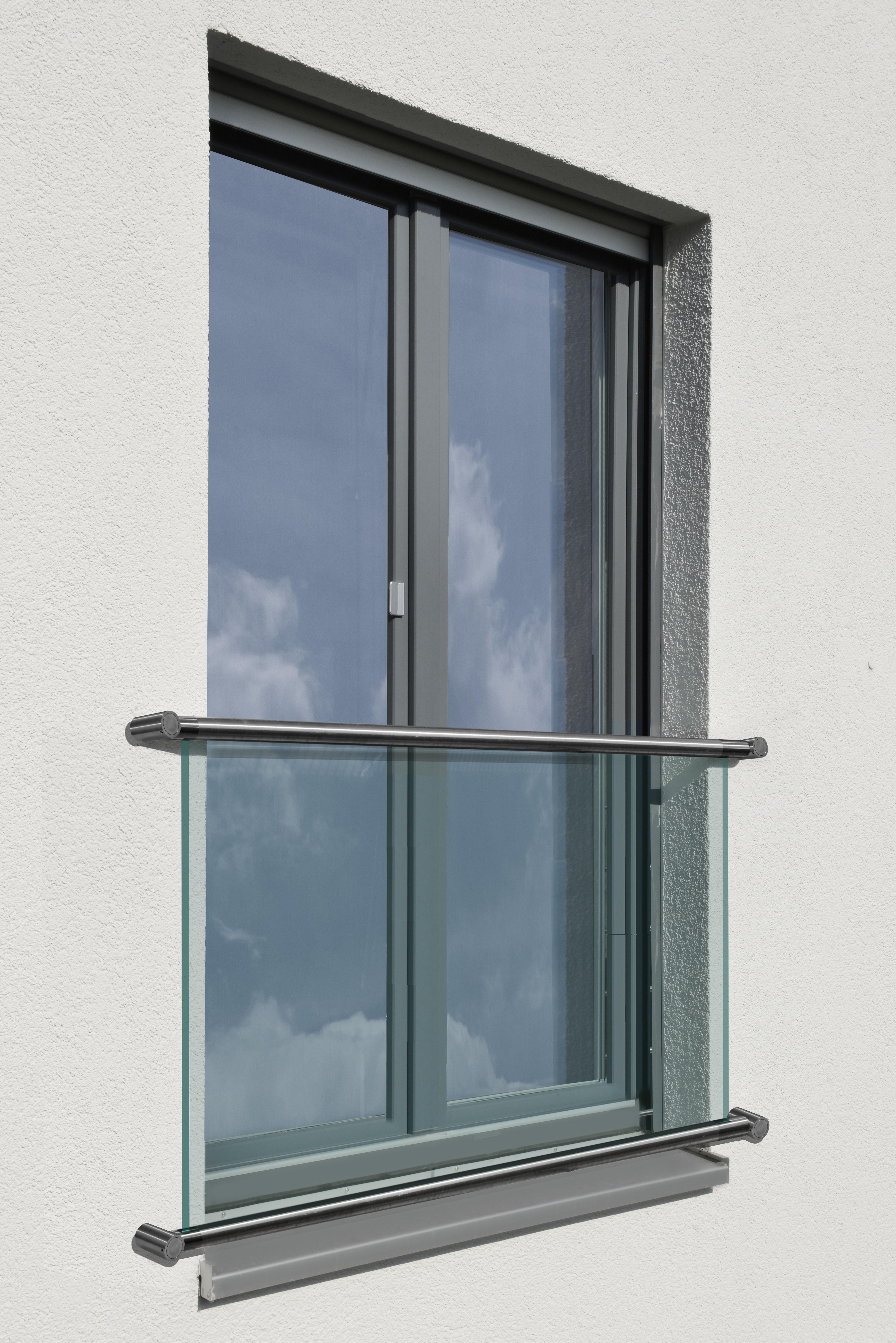 Cr Laurence Glass Door