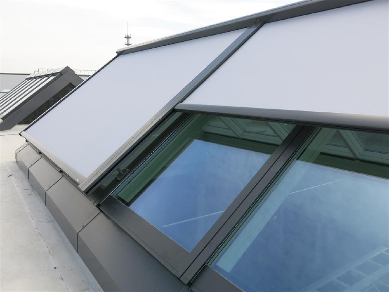 Photo velux best velux blinds with photo velux for Sun tunnel blackout shade