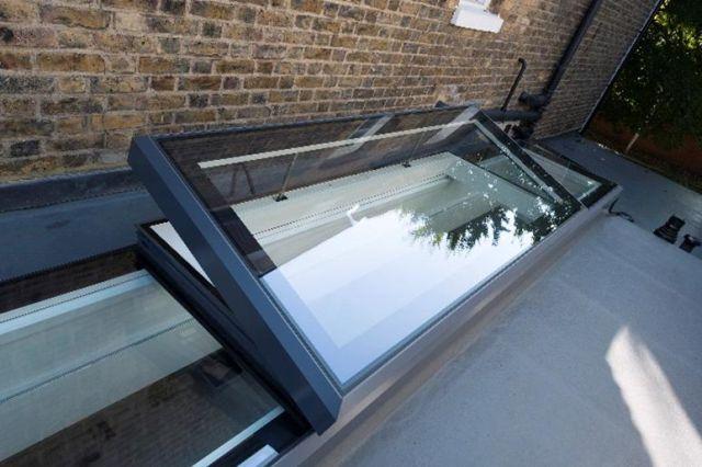VAGI Opening Roof Window