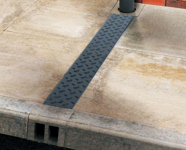 aco multidrain m100d channel footpath drainage aco. Black Bedroom Furniture Sets. Home Design Ideas