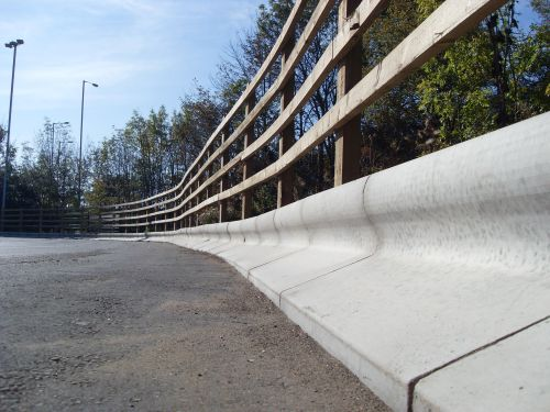 Trief GST2A Containment Kerb