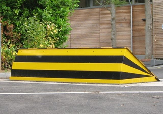 CSG 10506 Shallow Pit Depth Road Blocker